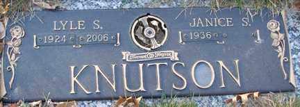 KNUTSON, LYLE SPENCER - Minnehaha County, South Dakota | LYLE SPENCER KNUTSON - South Dakota Gravestone Photos