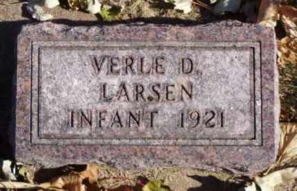 LARSEN, VERLE D. - Minnehaha County, South Dakota | VERLE D. LARSEN - South Dakota Gravestone Photos