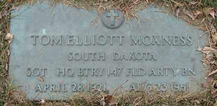 MOXNESS, TOM ELLIOTT (MILITARY) - Minnehaha County, South Dakota   TOM ELLIOTT (MILITARY) MOXNESS - South Dakota Gravestone Photos