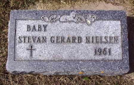 NIELSEN, STEVAN GERARD - Minnehaha County, South Dakota   STEVAN GERARD NIELSEN - South Dakota Gravestone Photos