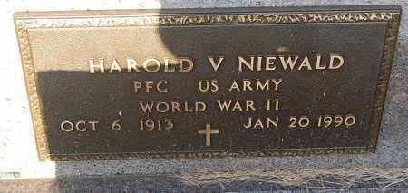 NIEWALD, HAROLD V. (WW II) - Minnehaha County, South Dakota | HAROLD V. (WW II) NIEWALD - South Dakota Gravestone Photos