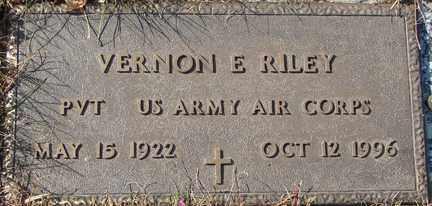 RILEY, VERNON E. - Minnehaha County, South Dakota | VERNON E. RILEY - South Dakota Gravestone Photos