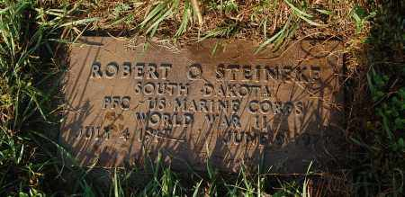 STEINEKE, ROBERT O. (WW II) - Minnehaha County, South Dakota | ROBERT O. (WW II) STEINEKE - South Dakota Gravestone Photos