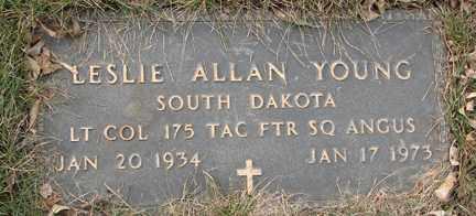 YOUNG, LESLIE ALLAN (MILITARY) - Minnehaha County, South Dakota | LESLIE ALLAN (MILITARY) YOUNG - South Dakota Gravestone Photos