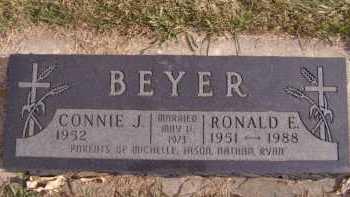 BEYER, RONALD E - Moody County, South Dakota | RONALD E BEYER - South Dakota Gravestone Photos