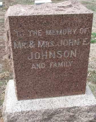 JOHNSON, JOHN E. (FAMILY MEMORY) - Yankton County, South Dakota   JOHN E. (FAMILY MEMORY) JOHNSON - South Dakota Gravestone Photos