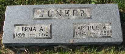 JUNKER, ARTHUR W. - Yankton County, South Dakota   ARTHUR W. JUNKER - South Dakota Gravestone Photos