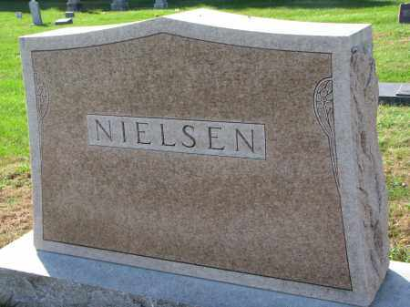 NIELSEN, FAMILY STONE - Yankton County, South Dakota | FAMILY STONE NIELSEN - South Dakota Gravestone Photos