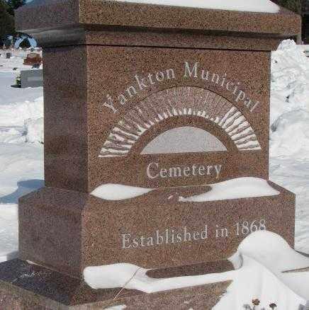 **YANKTON MUNICIPAL, EST. 1868 - Yankton County, South Dakota | EST. 1868 **YANKTON MUNICIPAL - South Dakota Gravestone Photos