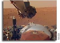 InSight Lander Flexes Its Arm