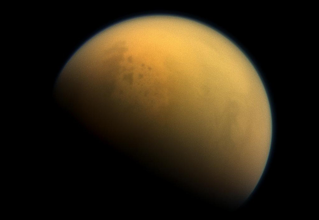Titan's enormous methane lakes could be encrusted with crystals