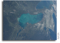 Keeping an Eye on Algae From the Space Station