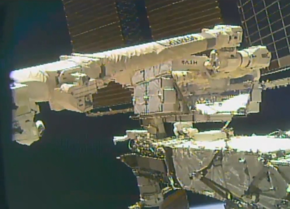 NASA Astronaut Loses Wrist Mirror During Works Outside ISS, Reports Say