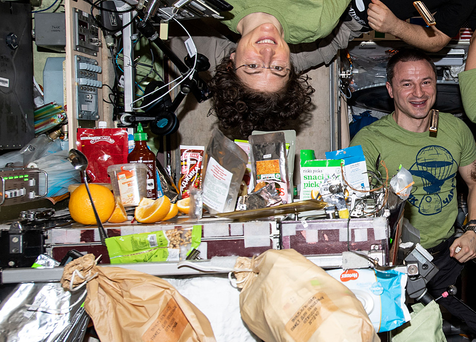 New Year's Eve In Space: Junk Food And Fresh Fruit