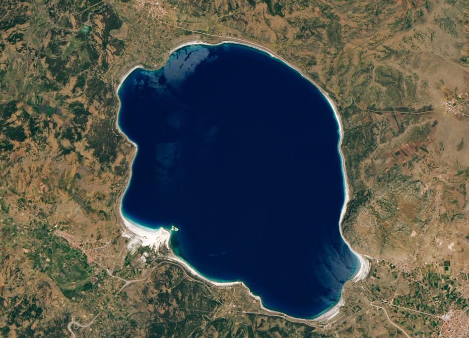 Lake Salda, Turkey Shares A Similar Mineralogy With Jezero Crater On Mars