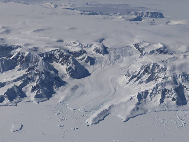 Monitoring changes in the Earth's cryosphere