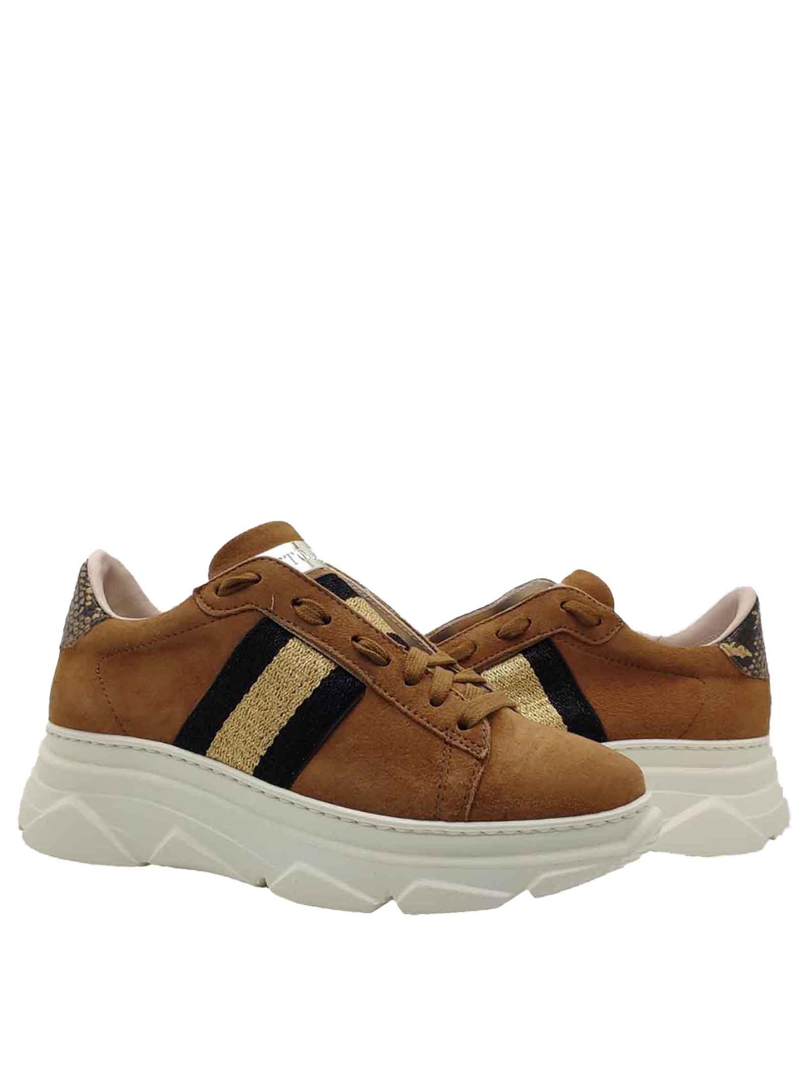 Calzature Donna Sneakers in Camoscio Cuoio con Banda Laminata Laterale e Fondo Zeppa in Gomma Stokton | Sneakers | 650-DCUOIO
