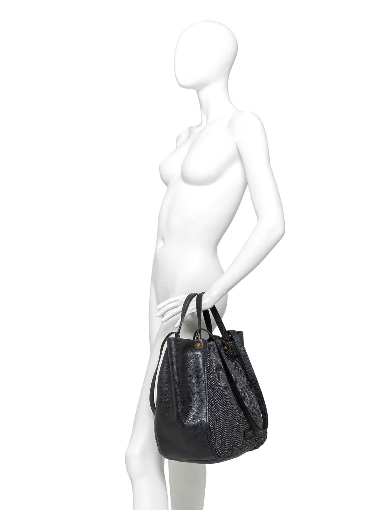 Women's Shoulder Bag Tulip in Black Leather and Fabric with Gold Studs and Zip Closure Gianni Chiarini   Bags and backpacks   BS938510313