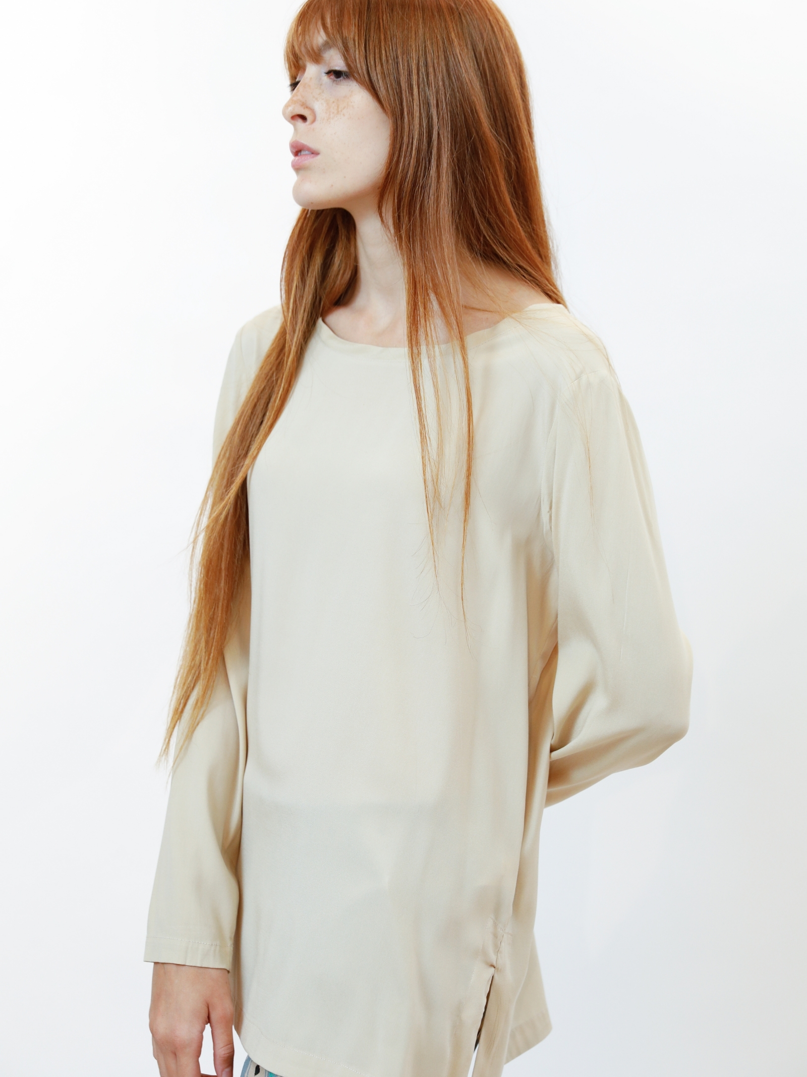 Women's Clothing Silk Satin Crew Neck Shirt in Pure Beige Silk Long Sleeves Maliparmi | Shirts and tops | JM40603102011010