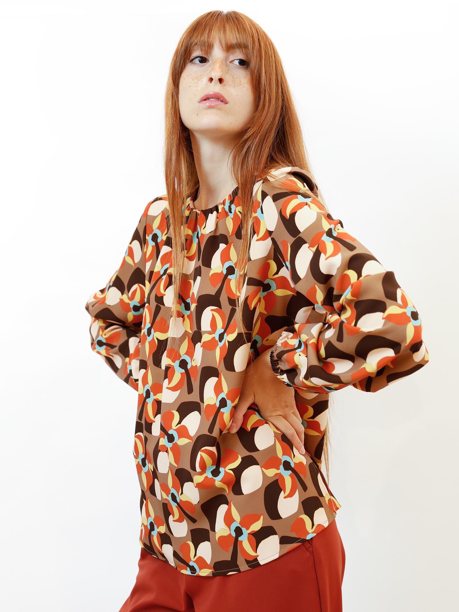 Abbigliamento Donna T-Shirt Camicia Wallpap a Maniche Lunghe Beige a Fantasia Maliparmi | Camicie e Top | JM544360059B1253