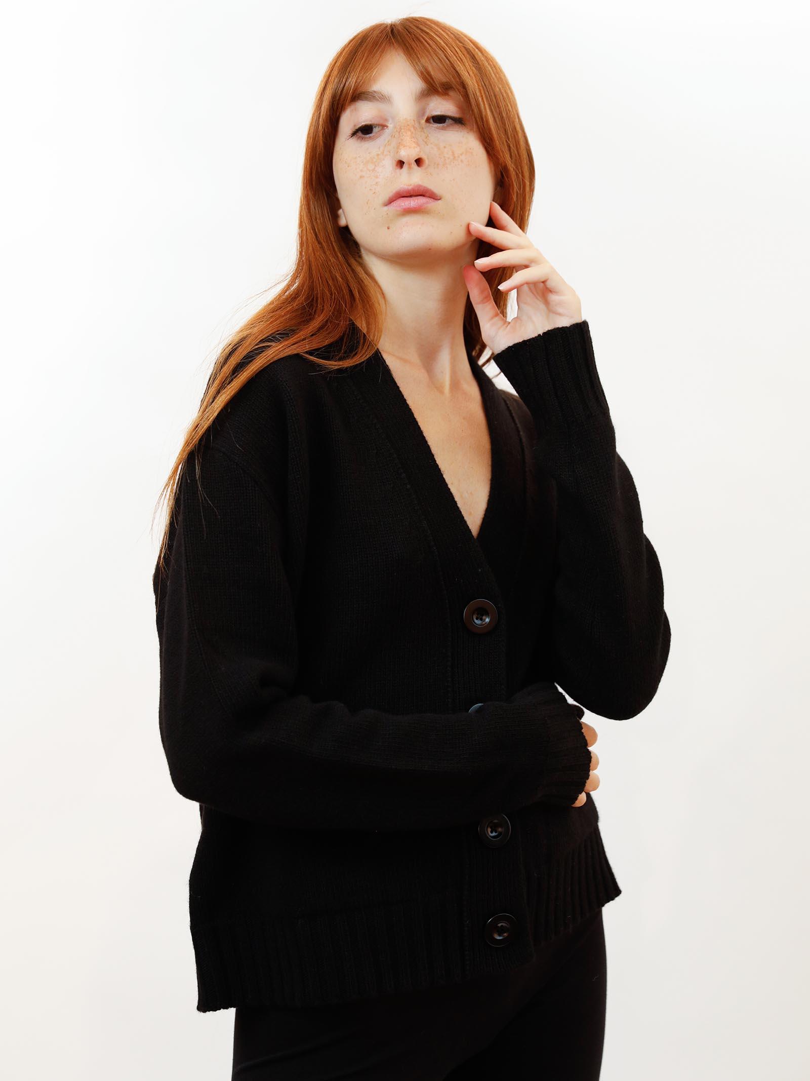 Women's Clothing Mixed Cashmere Cardigan in Black with Matching Button Maliparmi | Knitwear | JN35537431520000