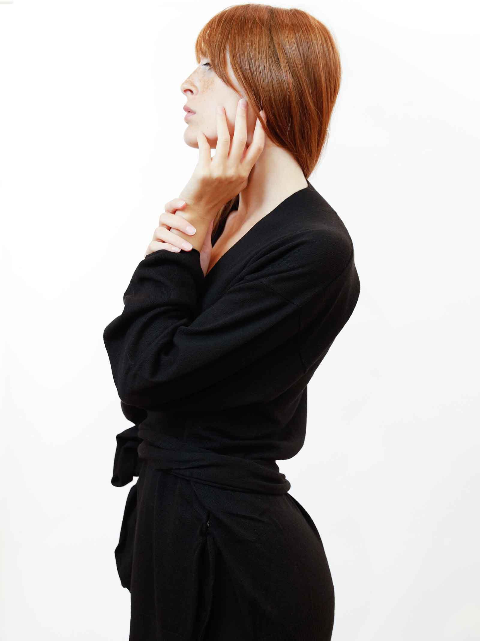 Abbigliamento Donna Cardigan Re-volution in Lana Nera con Cintura in Vita a Tono Maliparmi | Maglieria | JN35847051820000