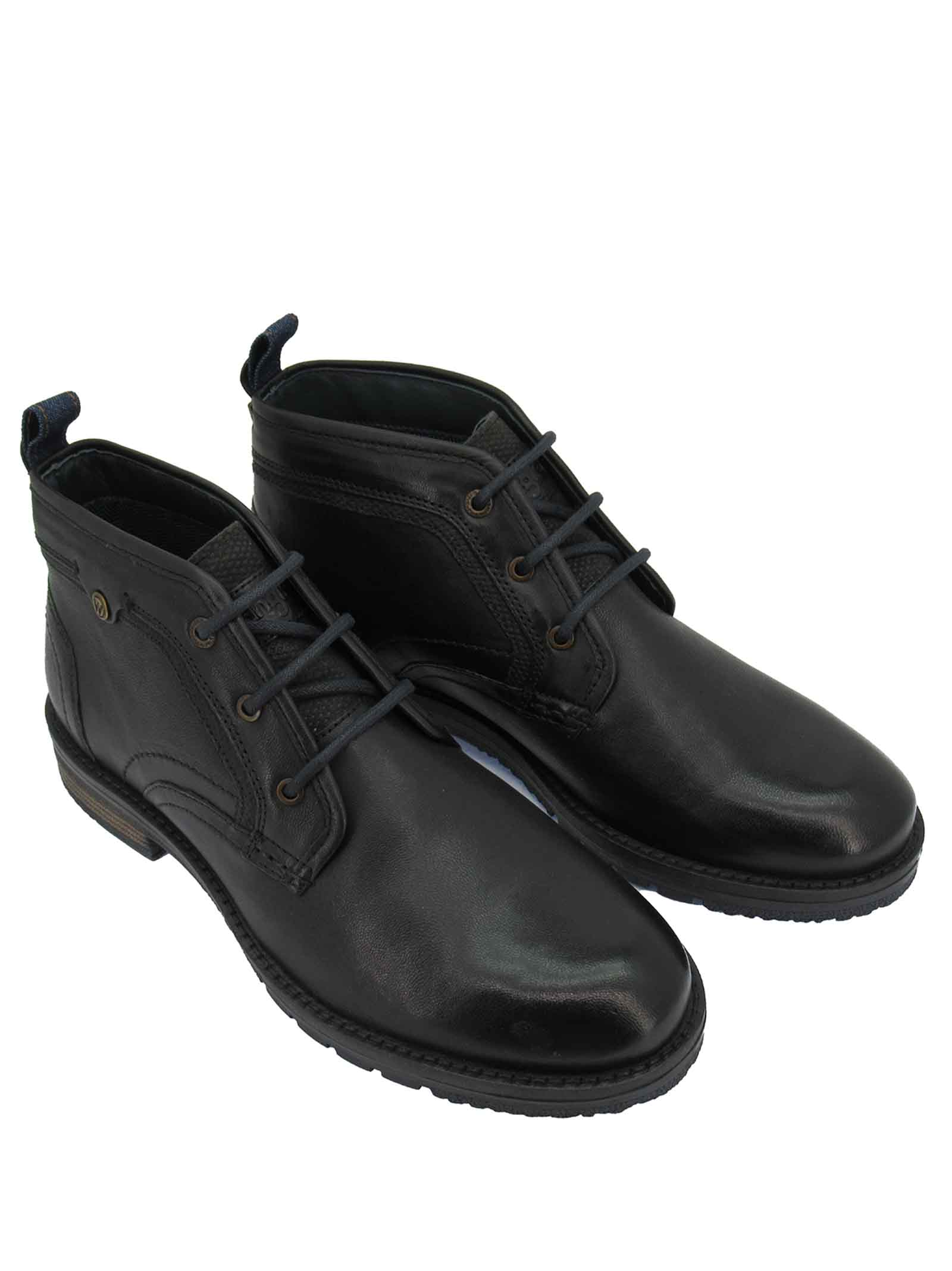 Men's Boogie Chukka Laced Ankle Boots in Black Leather with Rubber Sole Wrangler   Ankle Boots   WM12050A096