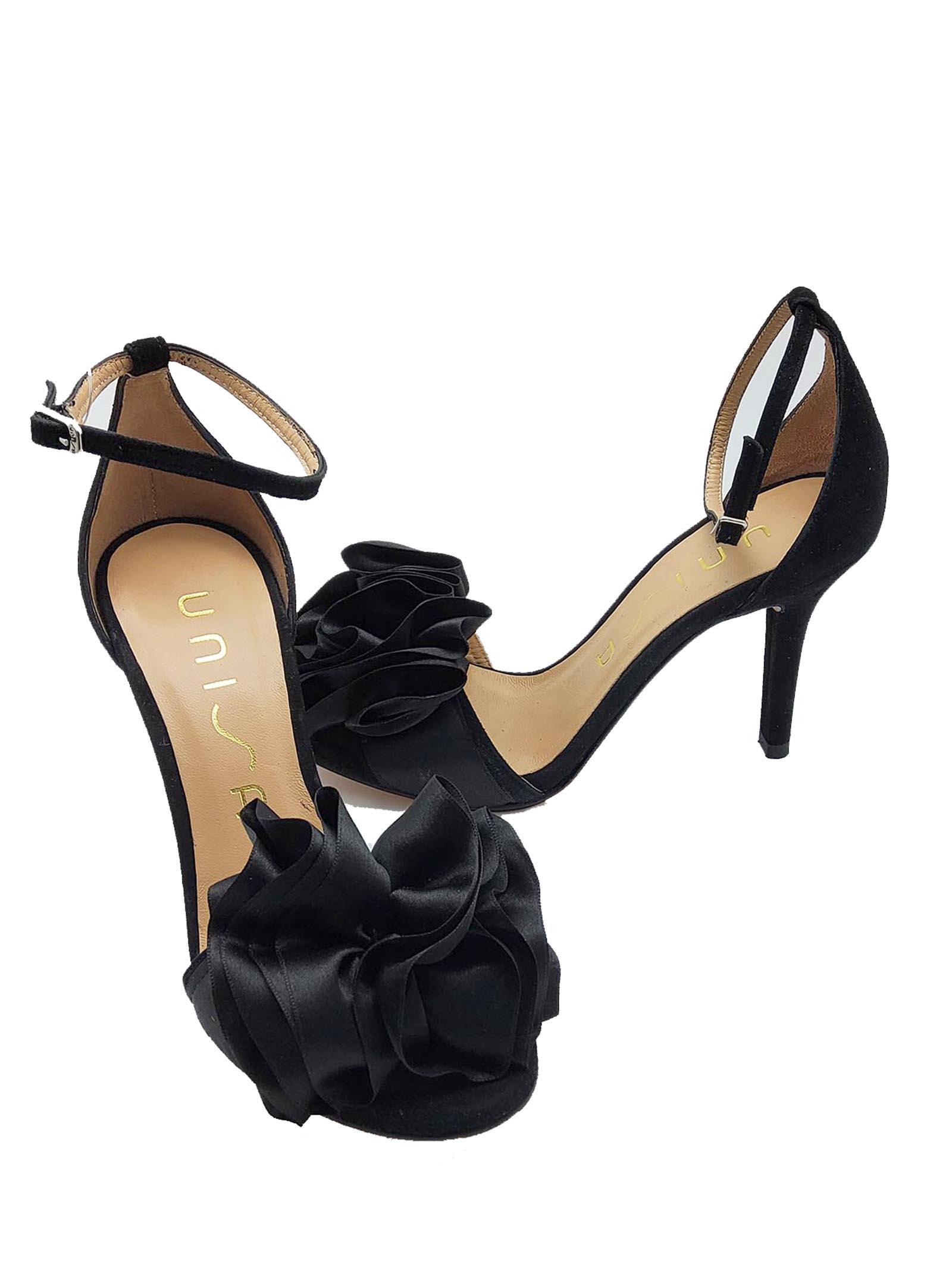 Calzature Donna Dècollètè In Camoscio Nero Con Fiore sulla Punta e Cinturini sulla caviglia Unisa   Sandali   YOSEBANERO