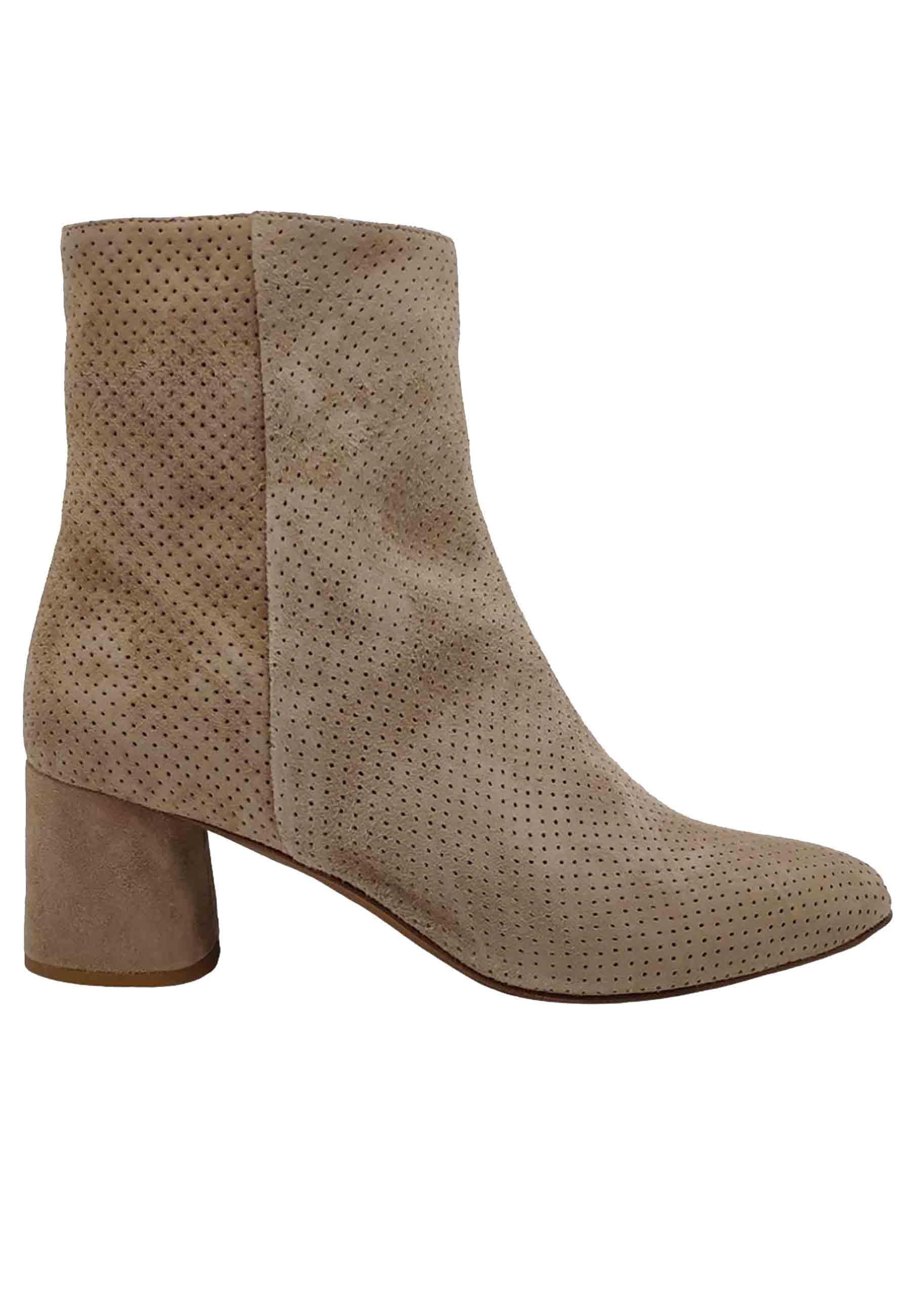 Calzature Donna Stivaletti in Camoscio Beige MIcrofaorati con zip Laterale Fru | Stivaletti | 9120SBEIGE