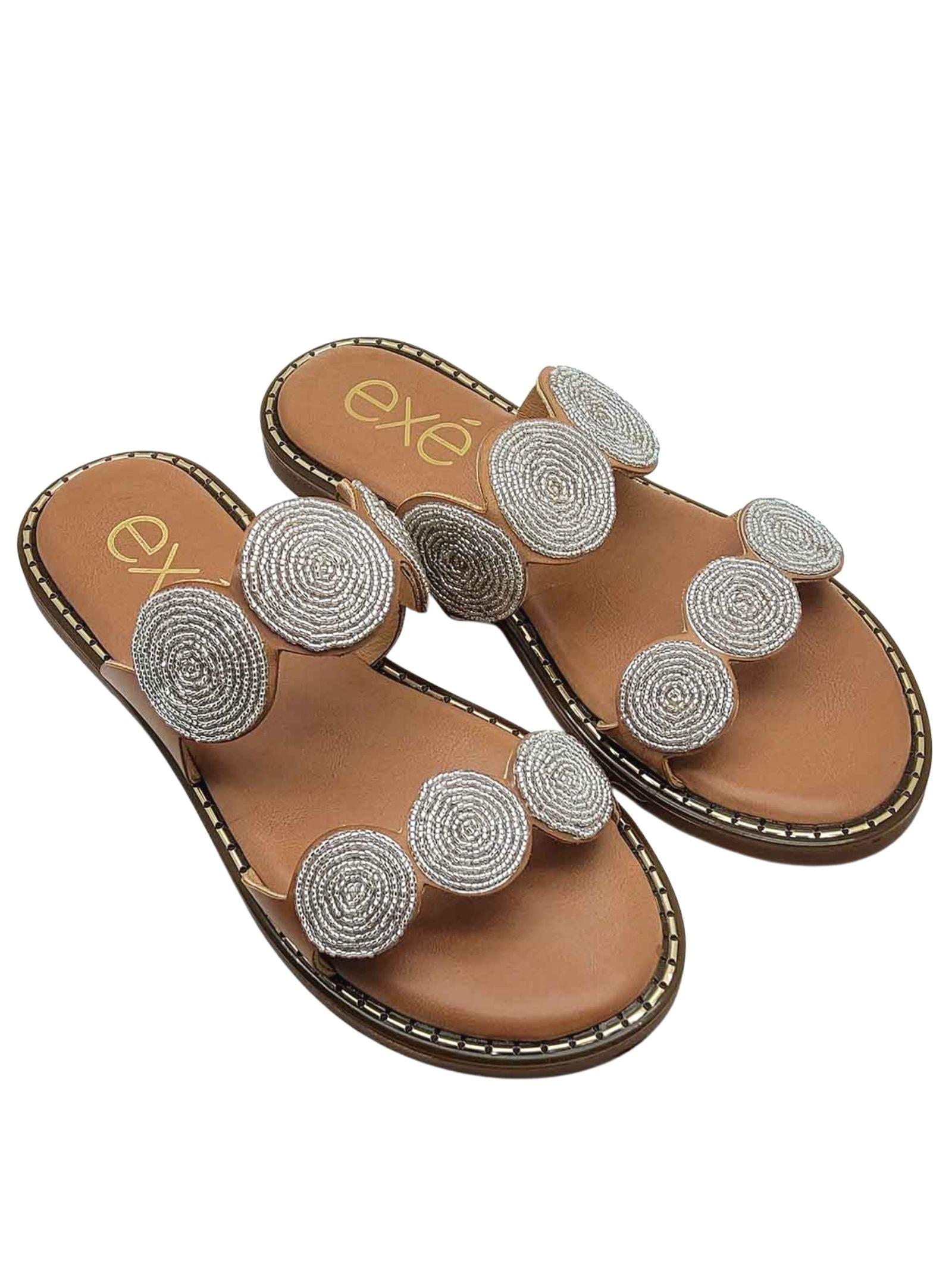 Calzature Donna Sandali in Eco Pelle Cuoio con Doppia Fascia e Accessori di Perline Argento Exe | Sandali Flat | 112300