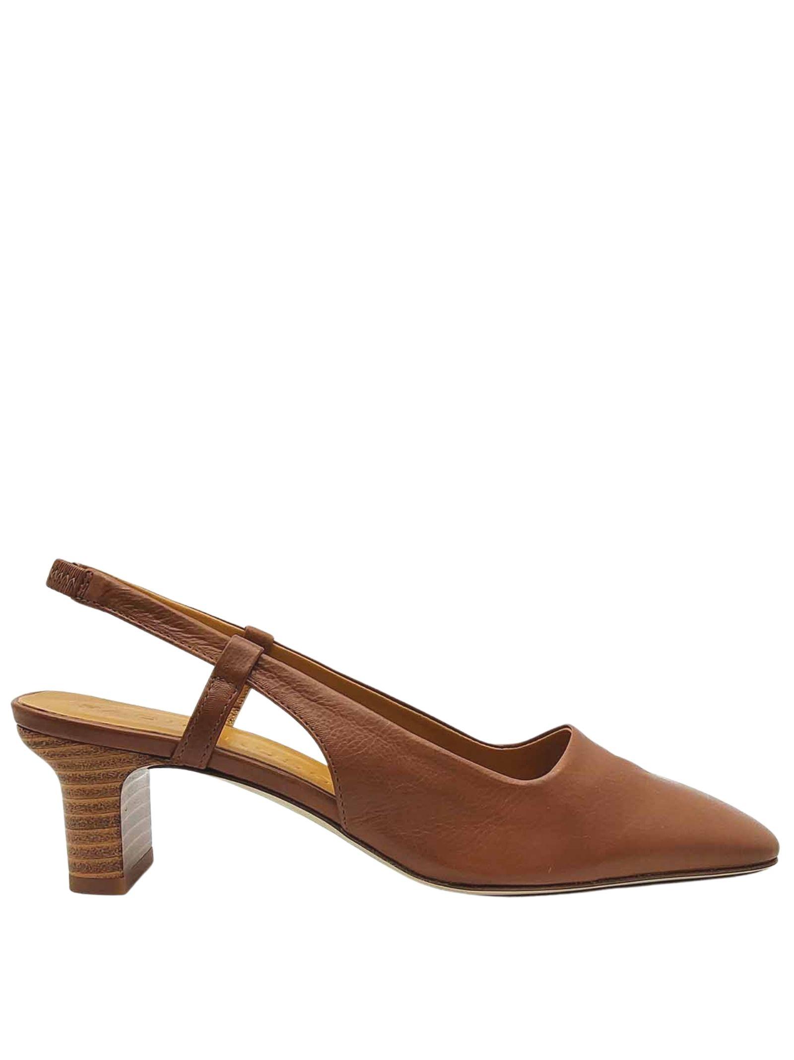 Calzature Donna Sandali Chanel in Pelle Cuoio con Punta Quadra e Cinturino Posteriore Fabio Rusconi | Sandali | LIVIA1330014