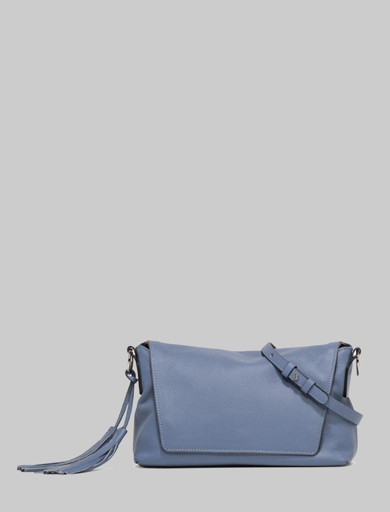 Africa Woman Shoulder Bag In Powder Blue Leather With Chain Handle And Adjustable And Removable Shoulder Strap Gianni Chiarini | Bags and backpacks | BS778611710