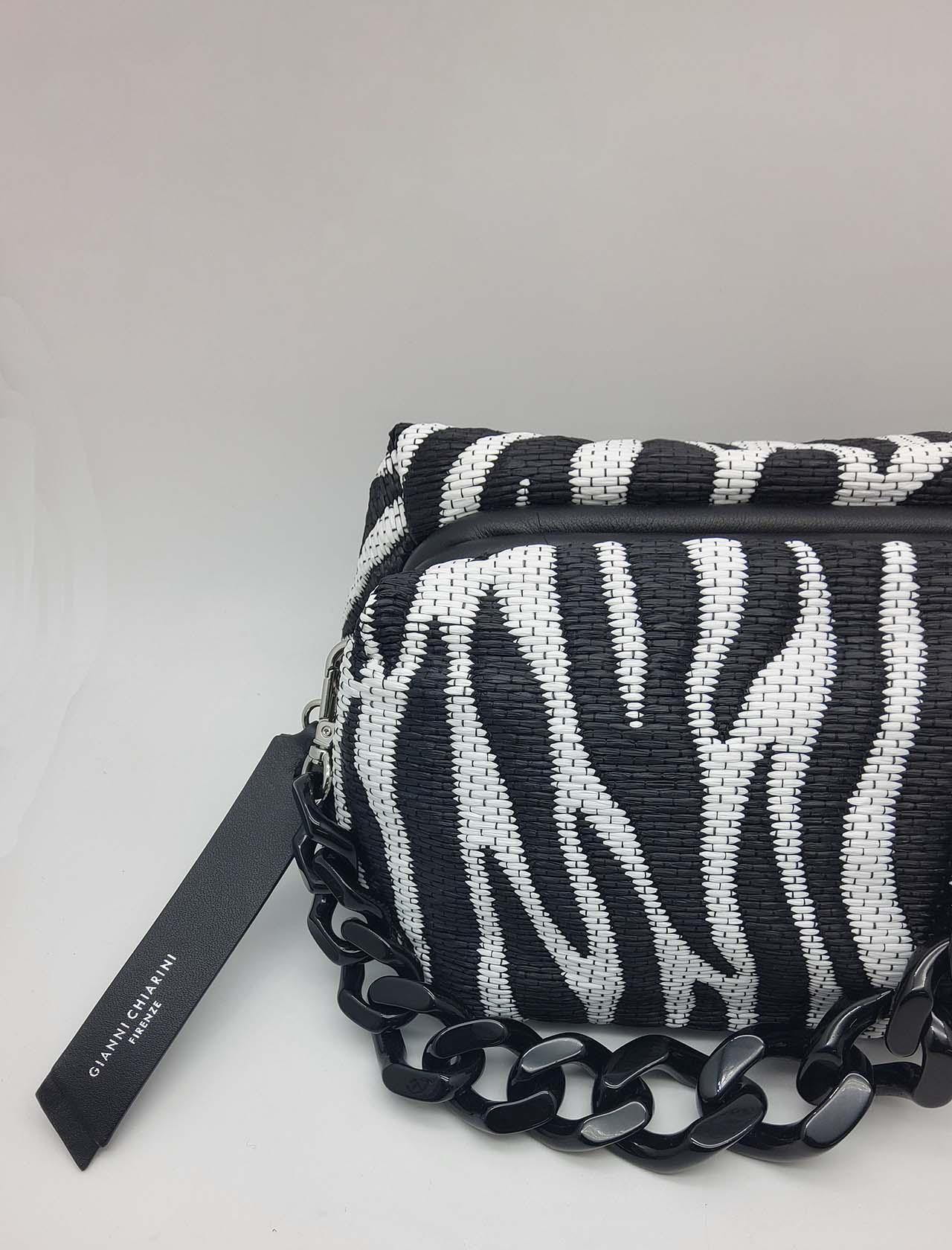 Borsa Donna Colette Tessuto E Pelle Animalier Zebra Bianco E Nero Con Catena Nera E Tracolla Removibile Gianni Chiarini | Borse e zaini | BS840511770