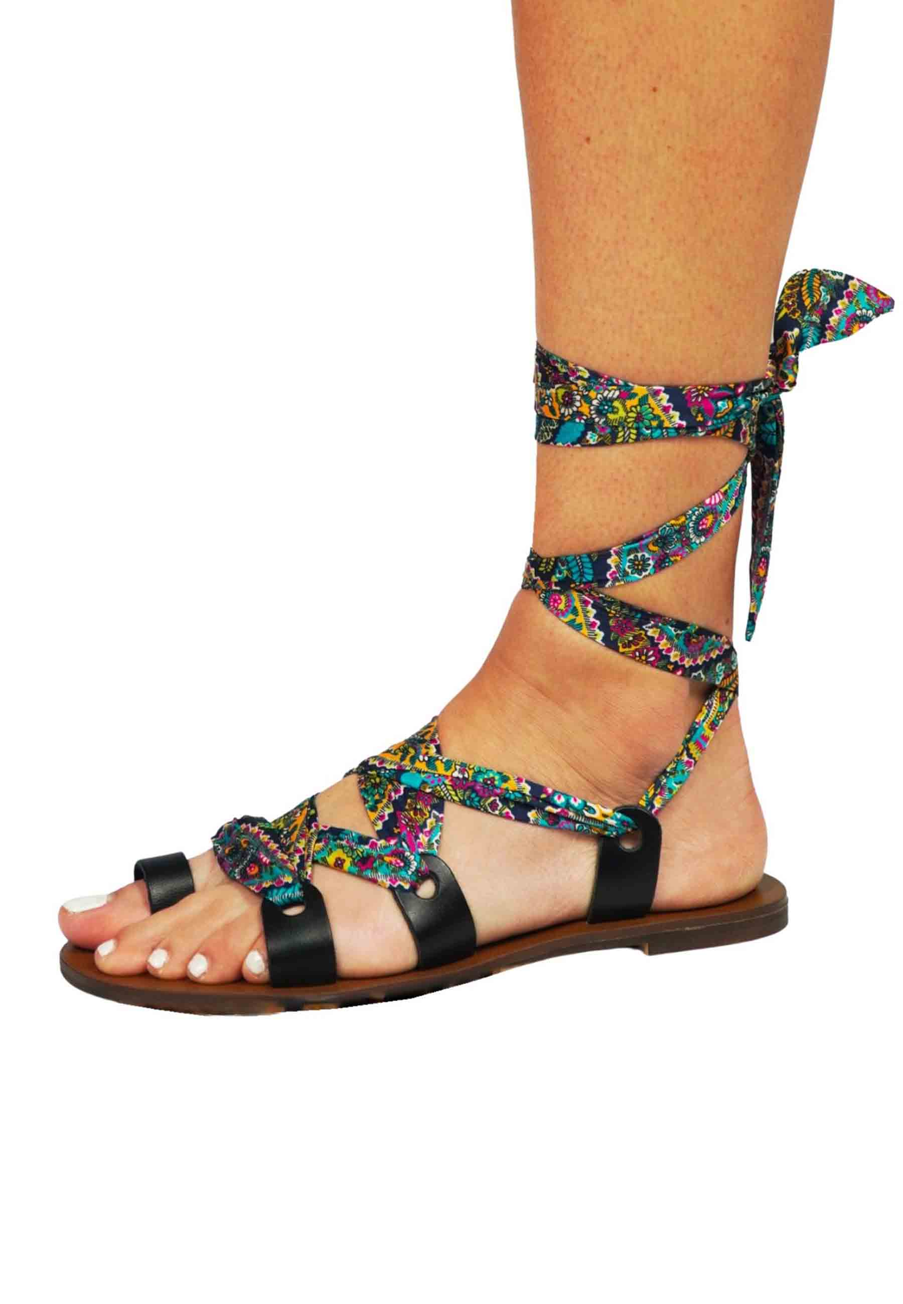 Women's Shoes Flat Thong Sandals in Black Leather with Patterned Fabric Gipsy Rose   Sandals   BANDANAB03