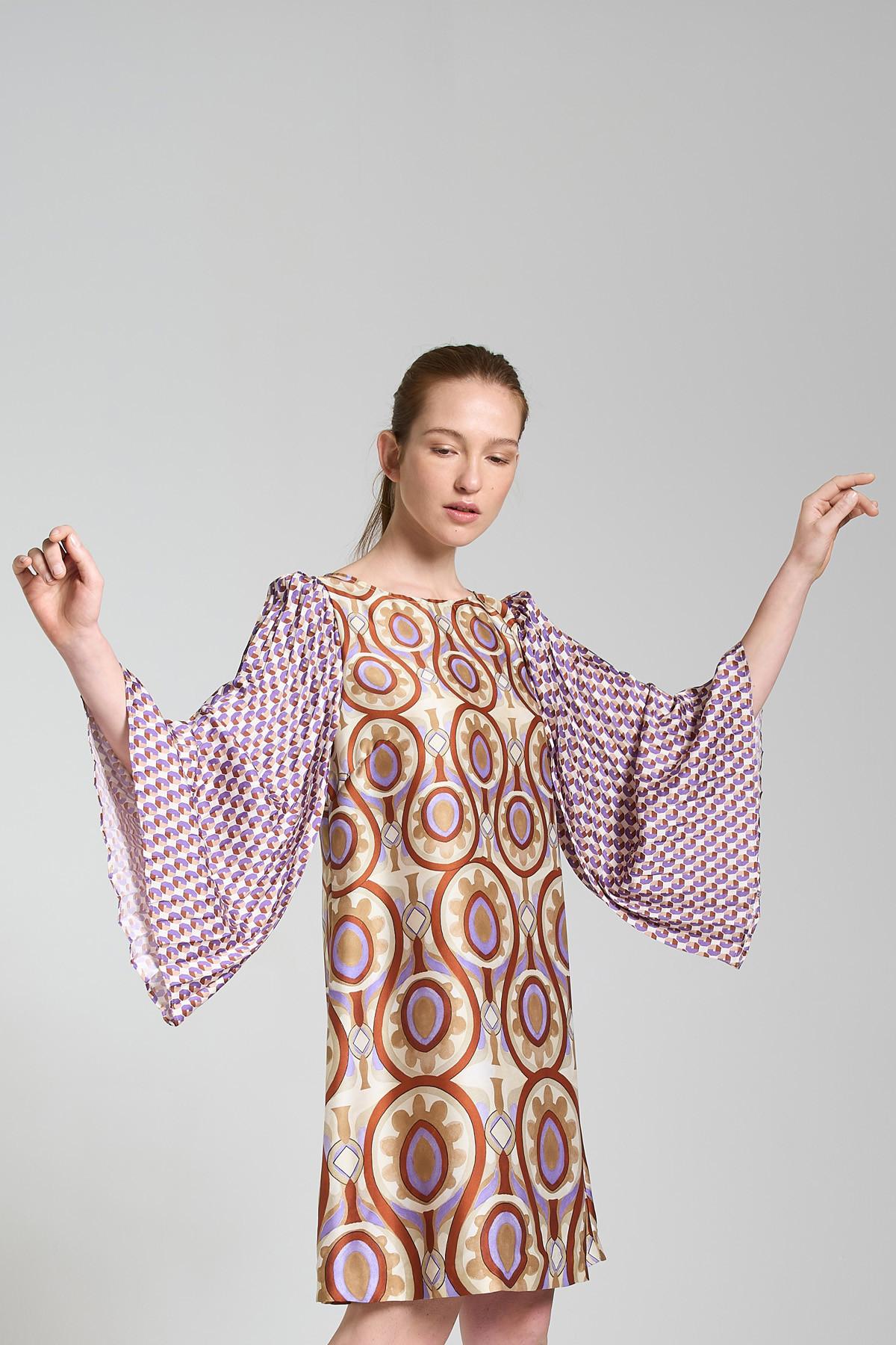 Abbigliamento Donna AbitoTwill Patch Stampato a Fantasia Beige con Maniche Plissè Maliparmi | Abiti | JF644560049B1229