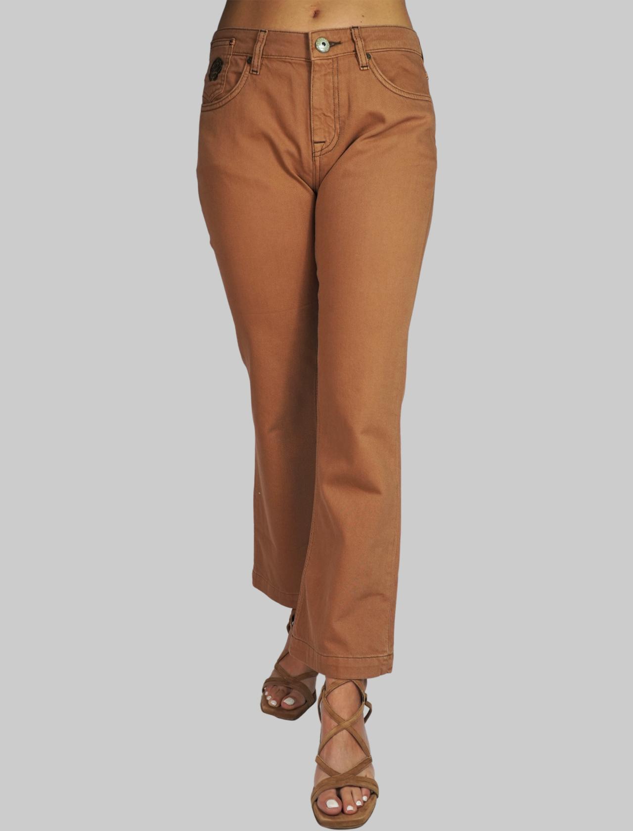 Abbigliamento Pantalone Donna Taglio Jeans a Trombetta in Gabardine Colore Mattone 5 Tasche Maliparmi | Gonne e Pantaloni | JH72041013312021