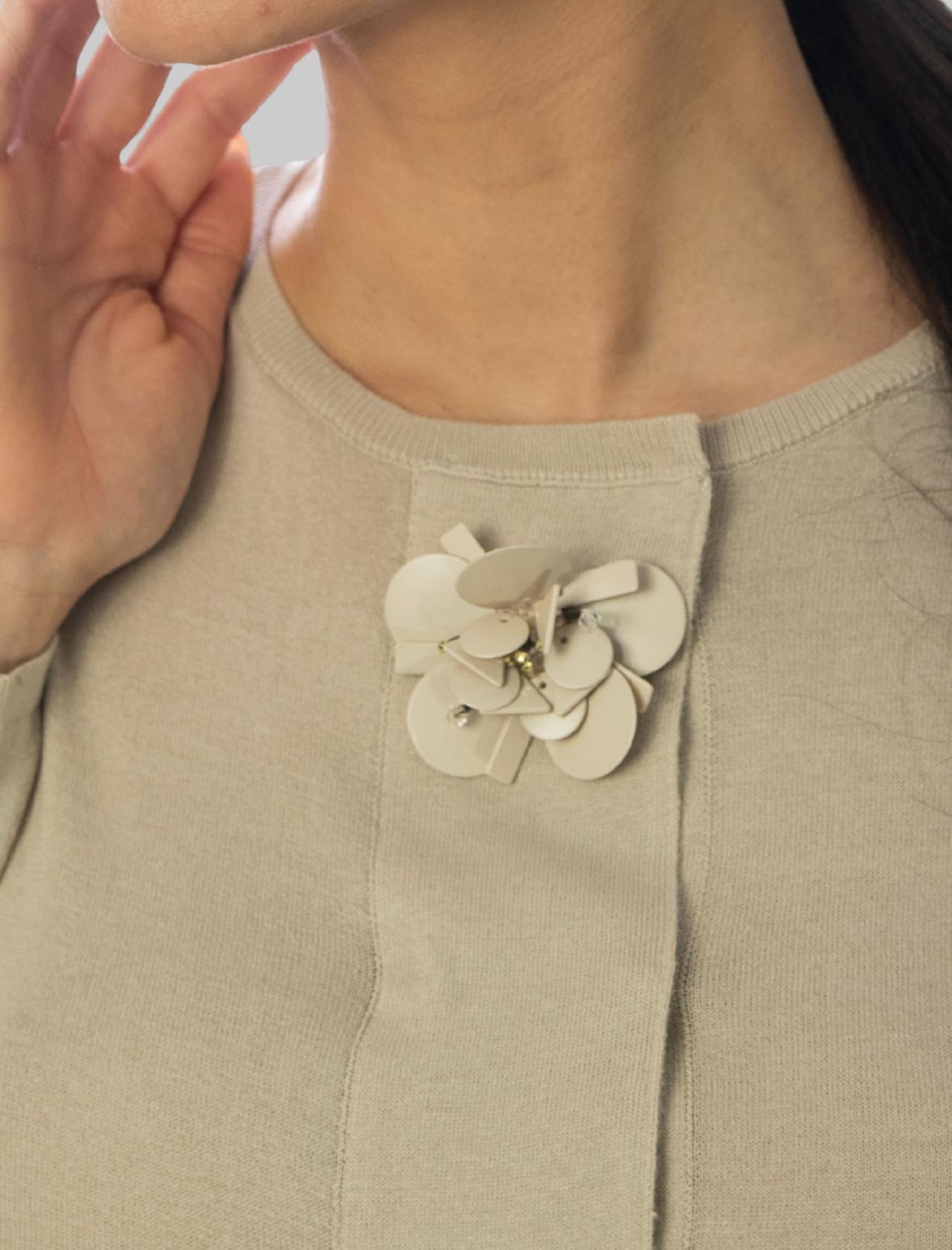 Abbigliamento Donna Cardigan Corto Flower Embroidery in Cotone Sabbia Maliparmi | Maglieria | JN35657050211001