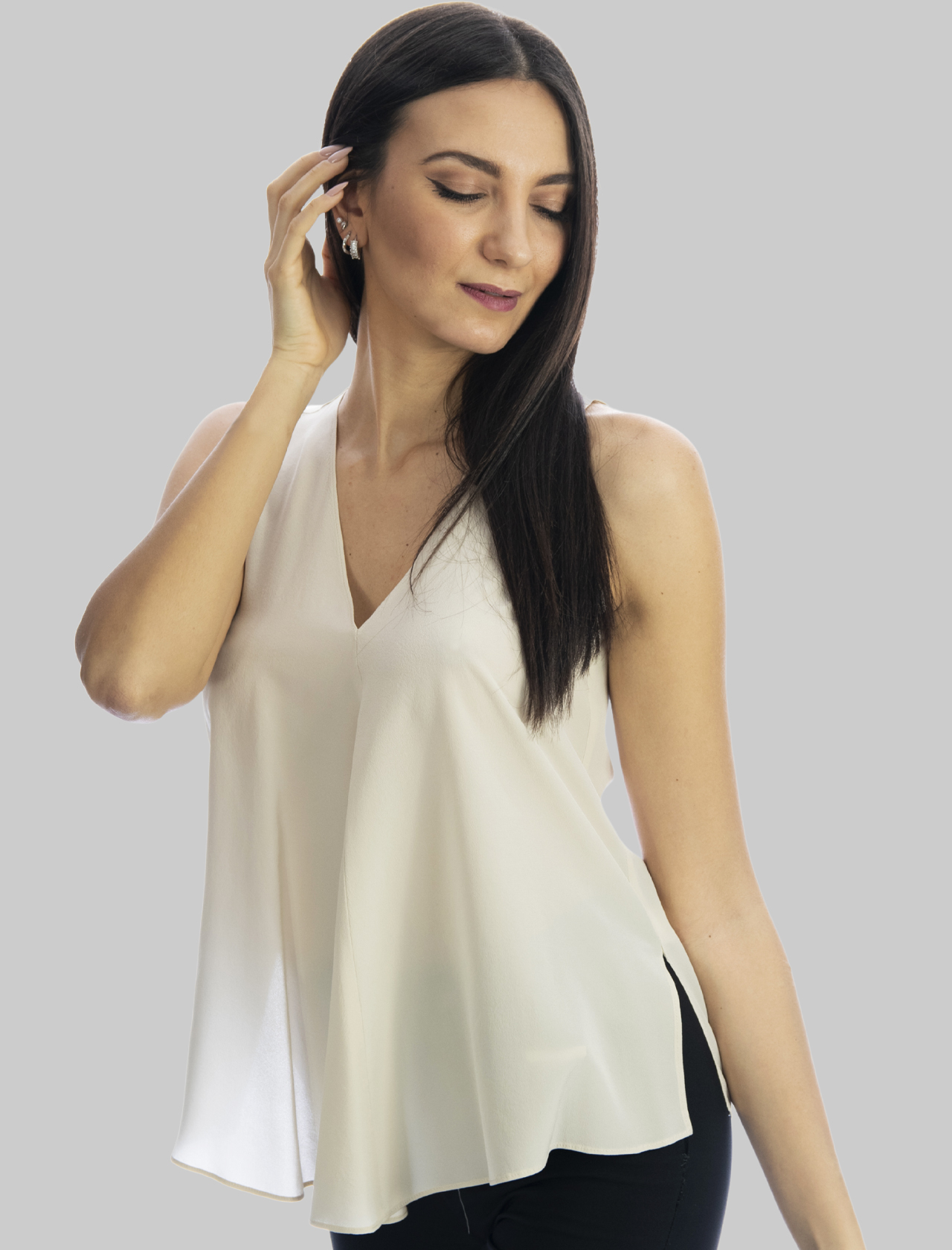Women's Clothing Sand Silk Crepe de Chine Top with V-Neck Maliparmi | Shirts and tops | JP53183004411001