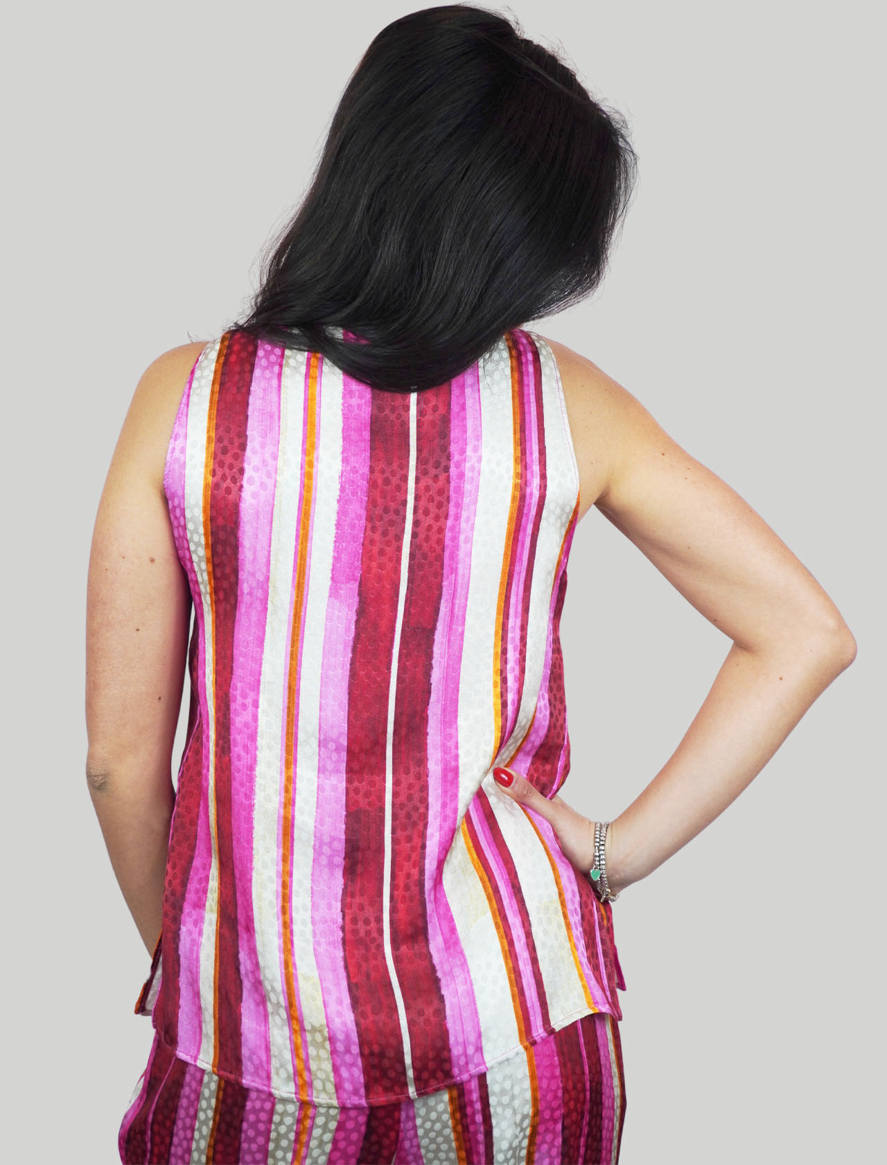 Women's Clothing Stripes Jacquard Top In Pink and Red with V-Neck Maliparmi | Shirts and tops | JP531850557B3223
