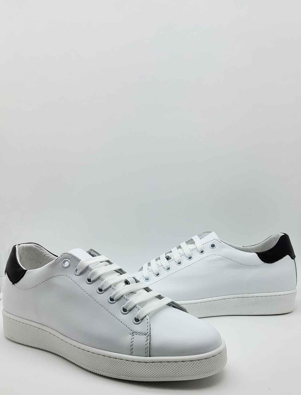 Calzature Uomo Sneakers in Pelle Bianca con Fondo in Gomma Spatarella   Sneakers   2011100