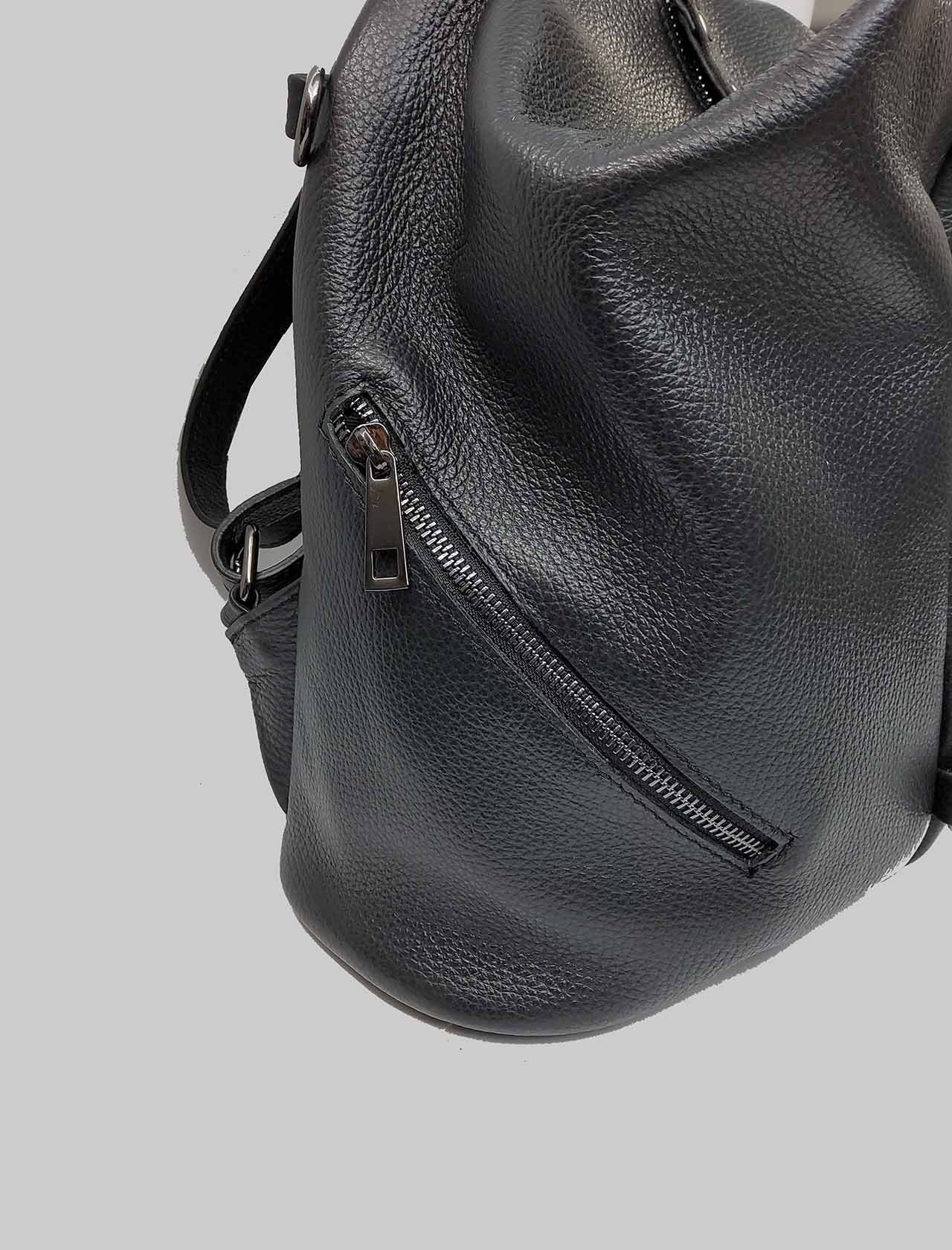 Woman Backpacks in Black Leather with Zip Closure and Pull with Studs Adjustable Shoulder Straps in Leather Spatarella | Bags and backpacks | PE0214001