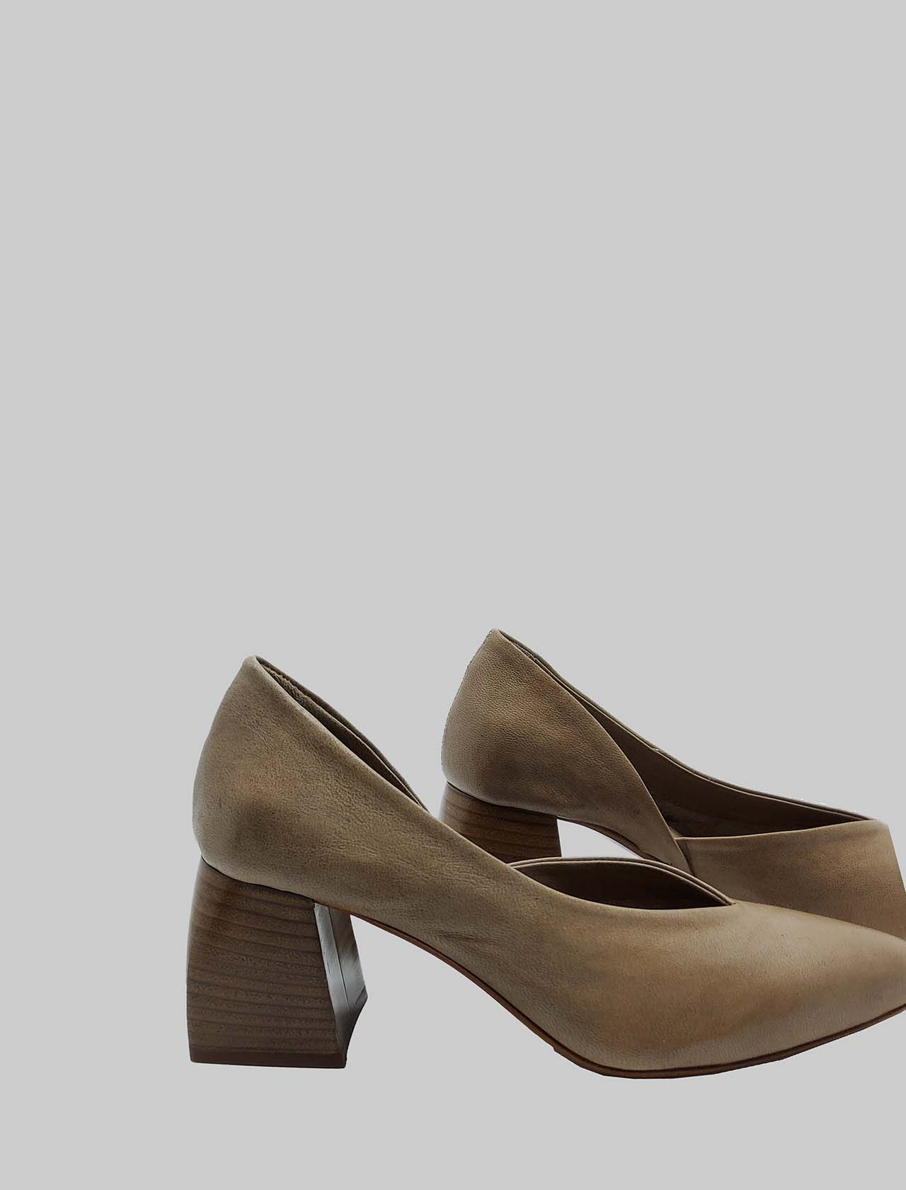 Women's Shoes Décolleté in Taupe Leather with Leather Heel and Pointed Toe Spatarella   Pumps   SP30023