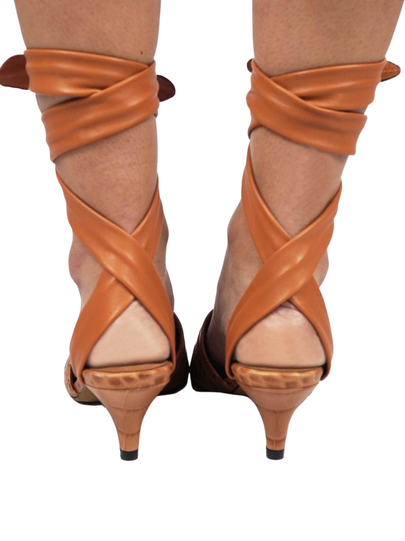 Calzature Donna Sandali in Pelle Cuoio Stampa Cocco con Lacci alla Caviglia in Pelle Tono su Tono Toral   Sandali   TL12634014