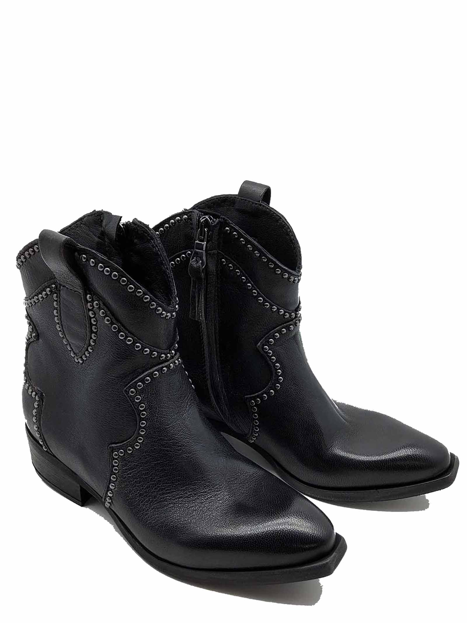 Women's Shoes Texan Ankle Boots In Black Leather With Studs Zoe | Ankle Boots | INVIT02001