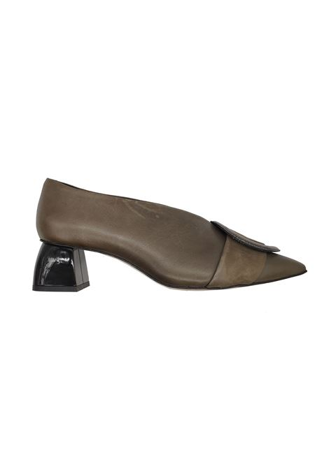 Woman High Neck Décolleté Spatarella | Pumps | 630005FANGO