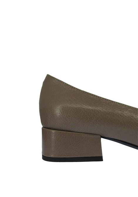 Women's Shoes Décolleté in Taupe Hammered Leather Low Heel and Square Toe Fabio Rusconi | Pumps | F-5895003