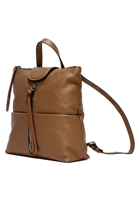Women's Accessories Backpack Giada in Camel Leather with Matching Handle and Adjustable Shoulders Gianni Chiarini | Bags and backpacks | ZN7040009