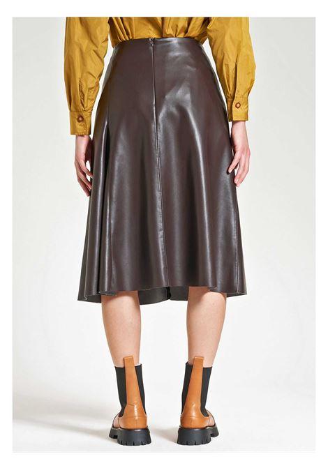 Abbigliamento Donna Gonna Leather in Ecopelle Marrone Altezza Ginocchio Maliparmi | Gonne e Pantaloni | JG36275056940007