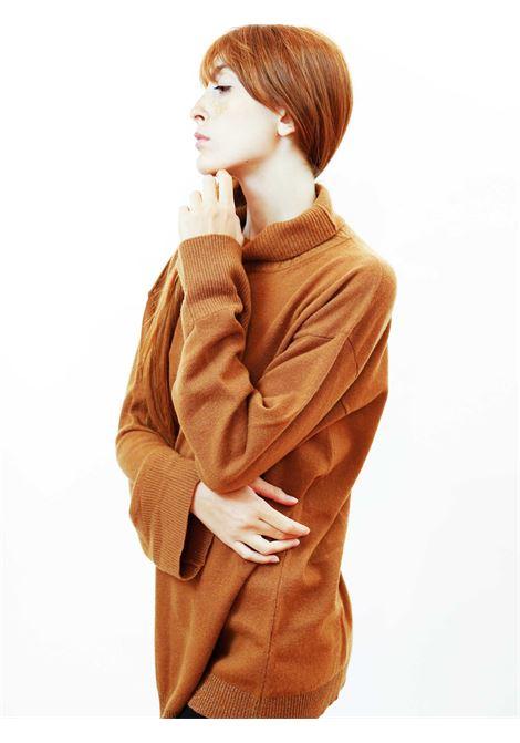 Abbigiamento Donna Maglia Soft Cachemire in Caramello e Luerx Collo Alto Maliparmi | Maglieria | JQ49027052341008