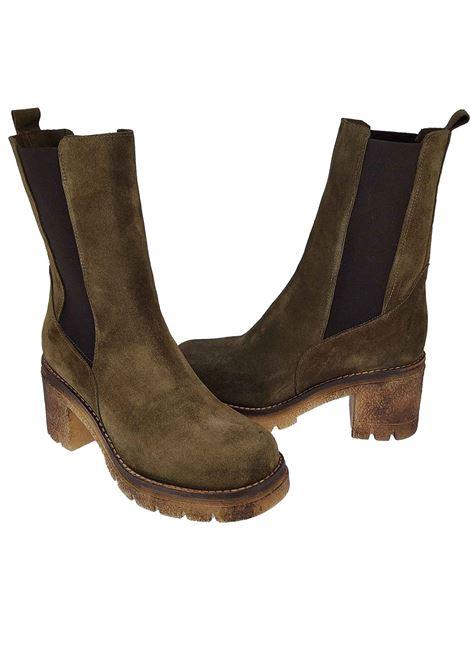 Calzature Donna Stivaletti Chelsea Boot in Camoscio Verde con Elastici Laterali in Tinta e Fondo Para Spatarella | Stivaletti | Q3005
